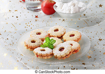 Jam shortbread cookies powdered with icing sugar