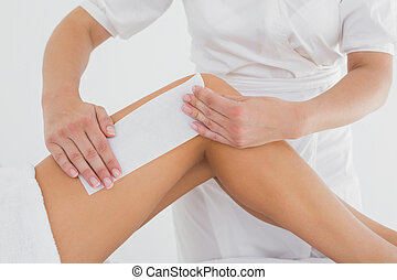 jambe, spa, thérapeute, femme, cirer