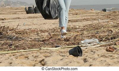 jambes, plage, sale, orage, volontaire, après, nettoyage