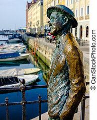 James Joyce statue in Trieste - James Joyce face statue in...