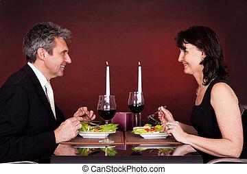 jantar, par, romanticos, restaurante