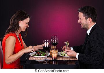 jantar, par, vinho, jovem, tendo