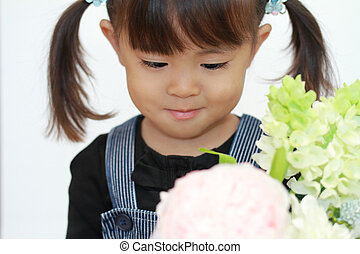 Japanese girl with flowers (3 years old)