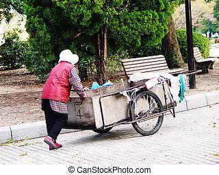 japonia, kobieta, hiroshima, sprzątaczka