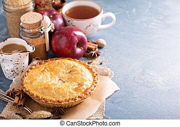 jarabe, canela, manzana de caramelo, pastel