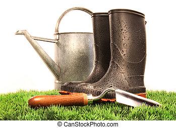 jardim, botas, com, ferramenta, e, lata molhando