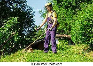jardim, usando, trimmer, borda, profissional, lar, jardineiro