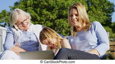 jardin, album, regarder, multi-generation, photo, 4k, famille