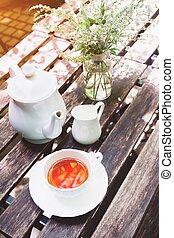 jardin, bois, temps thé, petite maison, table