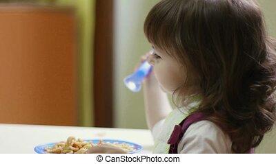 jardin enfants, manger, enfants, repas
