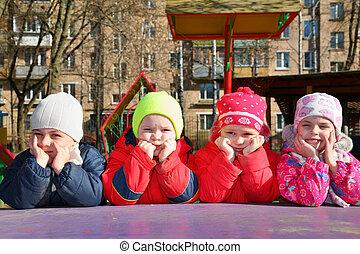 jardin enfants, percé, équipe