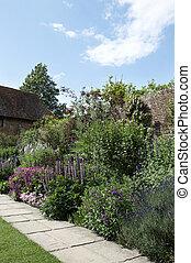 jardin petite maison