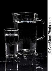 jarra, con, vidrio, y, agua