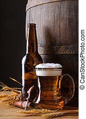 jarro de cerveza, y, botella