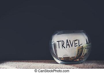 jarro, etiquetado, viagem, enchido, com, dinheiro