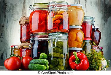 jarros, com, legumes conservados, e, fruity, compotes