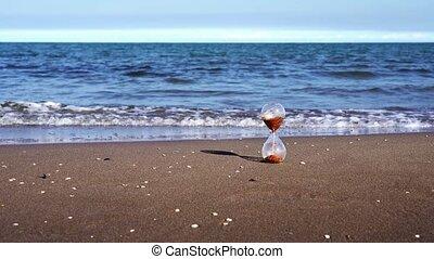 jaune, horloge, stands, mer, contre, verre, plage, bleu, sable