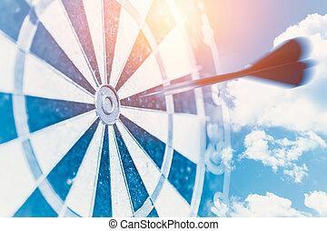 jeûne, business, cible, impact, concept, représenter, barbouillage, en mouvement, tiret, à, centre, succès, point, cible, métaphore, goto, reussite, gagnant, à, les, puissant, vision, bleu, tonalité couleur