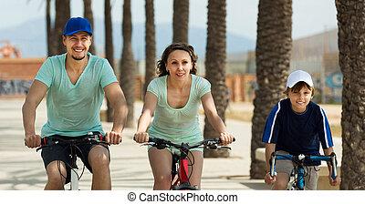jeżdżenie, bicycles, szczęśliwy, rodzice, syn