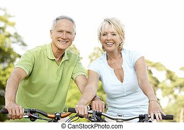 jeżdżenie, para, rowery, dojrzały