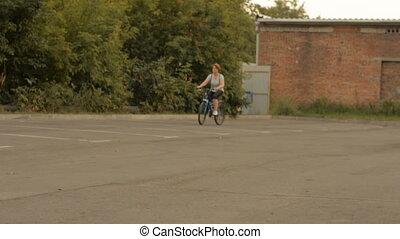 jeżdżenie, plecak, kobieta, rower