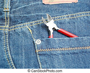 wirecutters - Jeans back pocket with wirecutters