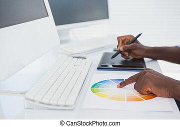 jego, biurko, digitizer, pracujący, projektant, posiedzenie
