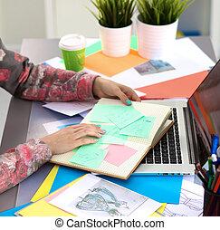 jego, biuro, pracujący, projektant, digitizer, biurko, używając