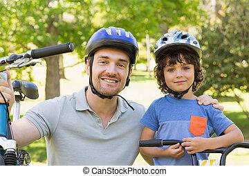 jego, jeżdżenie, bicycles, uśmiechnięty człowiek, syn