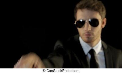 jego, podobny, ubrany, punkty, palec wskazujący, asekuracyjny człowiek