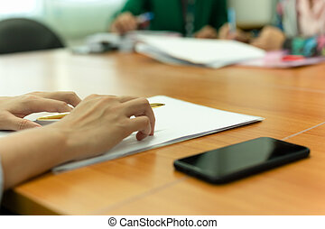 jego, pokój, biuro, pióro, ręka, komórka, znowu, głoska., przedstawiając, dzierżawa dokument, spotkanie