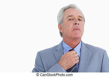 jego, regulując, do góry, dojrzały, zamknięcie, krawat, rzemieślnik