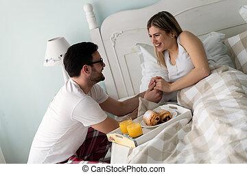 jego, sympatia, śniadanie, przystojny, przyprowadzanie powodowanie, człowiek