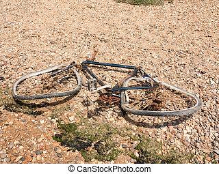 jeté, cassé, rouillé, vélo, plage