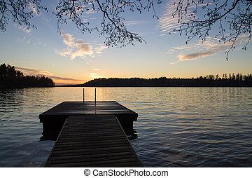 jetée, et, a, lac, dans, les, soir, ligh