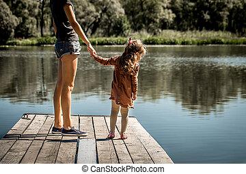 jetée, fille, lac, elle, mère