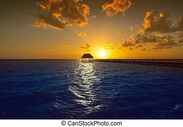 jetée, mexique, île, hutte, holbox, plage coucher soleil