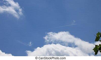 Jet flying through, HD