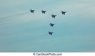 jets, exposition, équipe, mouche, dans, formation, pendant, airshow