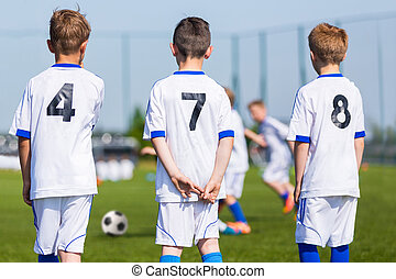 jeu, bench;, team;, football, réserve, jeunesse, joueurs, prêt, match., football, garçons, européen