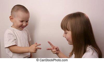 jeu, jeu, sourire, scissor, blanc, enfants, rocher, papier, heureux, fond, rire