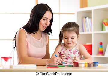 jeu color elle m re enfant passe temps avoir jouets photographie de stock. Black Bedroom Furniture Sets. Home Design Ideas