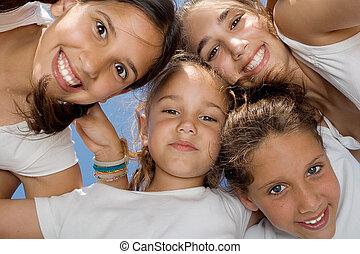 jeugd, het glimlachen, geitjes, groep, vrolijke