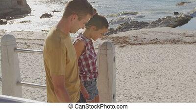 jeune adulte, couple, bord mer, délassant