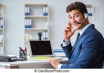 jeune, aider bureau, opérateur, fonctionnement, dans, bureau