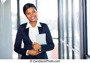 jeune, américain africain, femme affaires, portrait