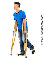jeune, asiatique, fond, blanc, crutches., homme