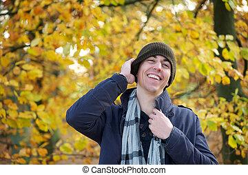 jeune, automne, rire, dehors, jour, homme