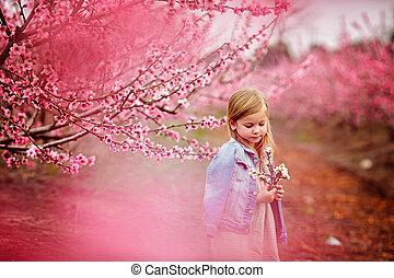 jeune, beau, girl, à, chapeau, dans, a, champ, et, fleurs, amusant, vacances