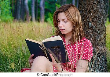 jeune, beau, lecture fille, a, livre, dans parc
